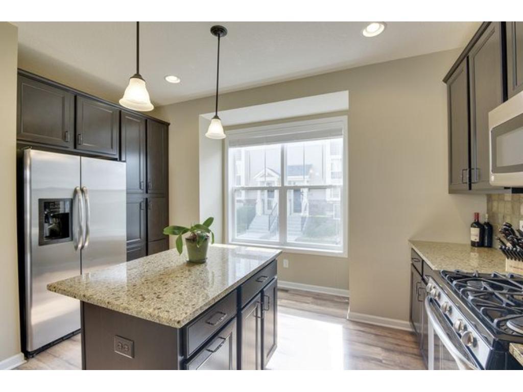8275 Norwood Lane N, Maple Grove, MN 55369 | MLS: 4720893 | Edina Realty