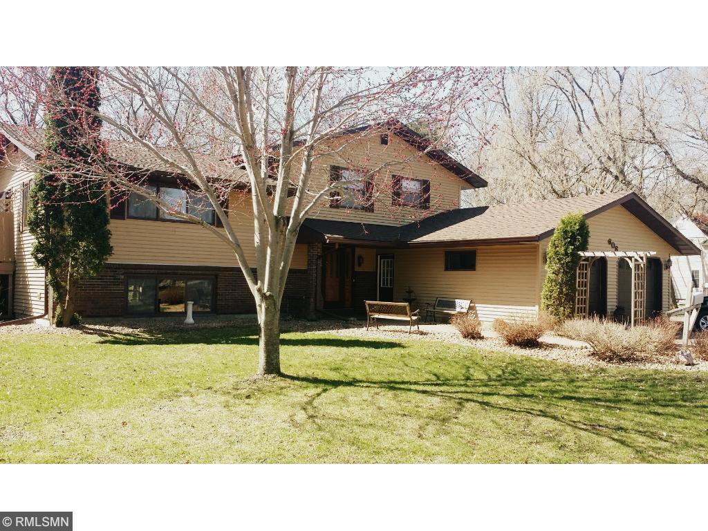 608 e 6th street new richmond wi 54017 mls 4670985 edina realty. Black Bedroom Furniture Sets. Home Design Ideas